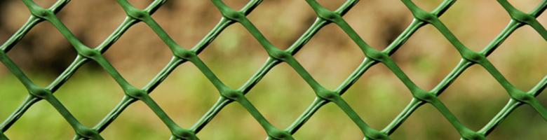 Je tuin omheinen: met panelen of gaas?