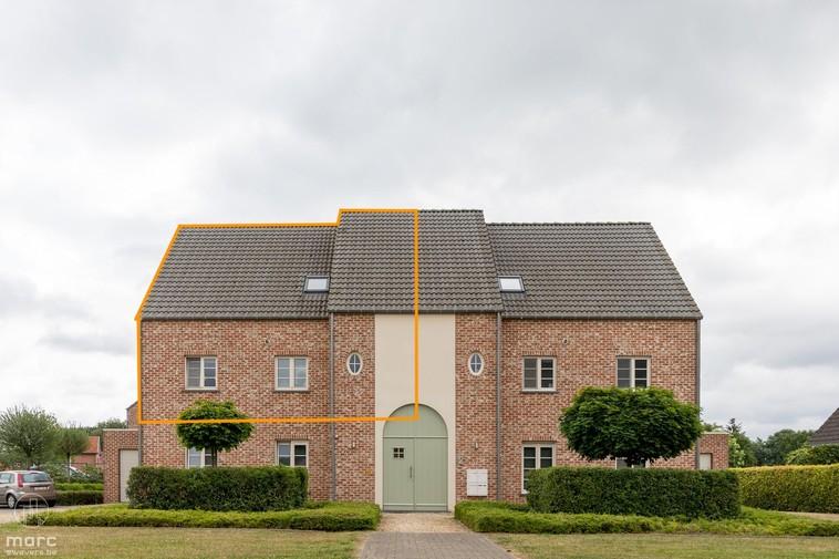 Ruim duplexappartement met drie slaapkamers en schitterend terras