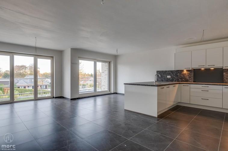 Appartement met twee slaapkamers en garage in centrum Beringen