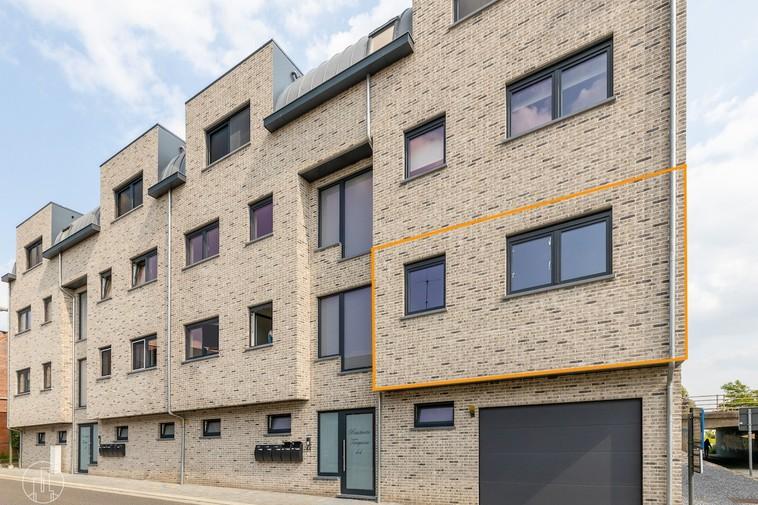 Te huur Appartement met twee slaapkamers, een ruim terras en garage in het centrum