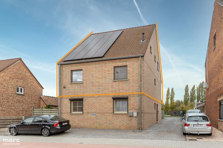 Prachtige instapklare duplex met drie slaapkamers en gezellig terras