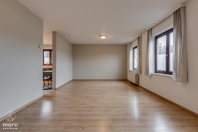 Gunstig gelegen en instapklaar appartement met twee slaapkamers en garagebox