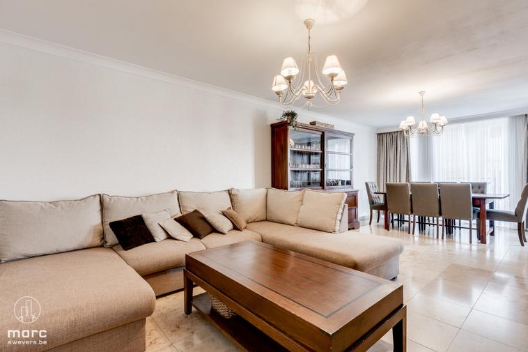 Gezellig appartement met 2 slaapkamers en gemeenschappelijke zonovergoten tuin in centrum Genk