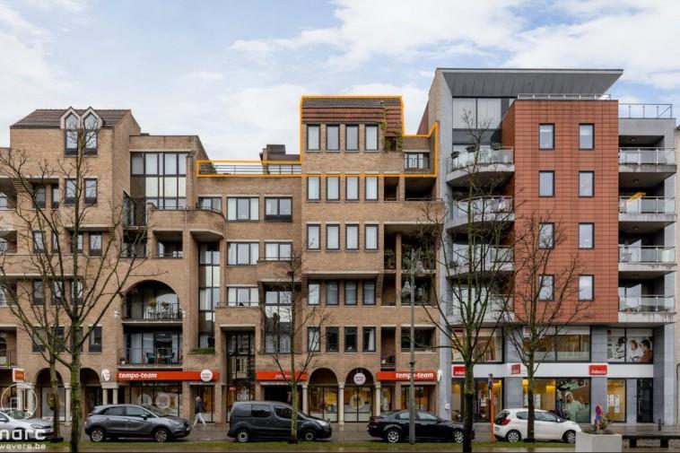 Instapklare penthouse van 205 m² met 2 slaapkamers en 3 terrassen in centrum Hasselt