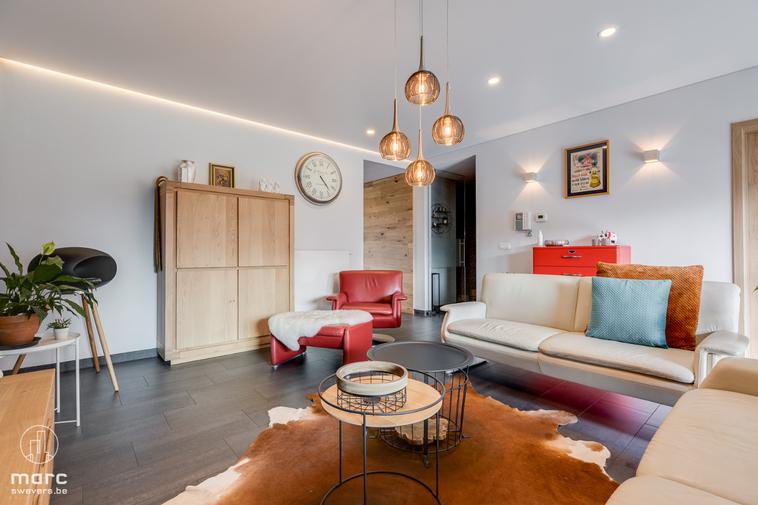 Stijlvol appartement met 3 slaapkamers én zuid georiënteerd terras vlakbij centrum Hasselt.