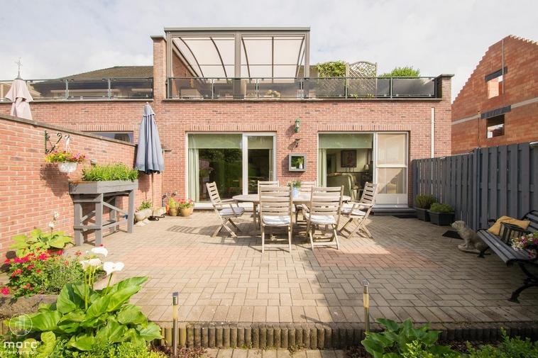 Exclusief gelijkvloers appartement met 3 slaapkamers, tuin en garage