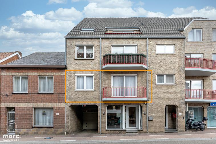 Vlot bereikbaar appartement van 100 m² met drie slaapkamers en garage