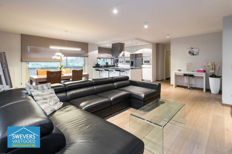 Verkocht⎜Luxueus gelijkvloers appartement met 3 slaapkamers