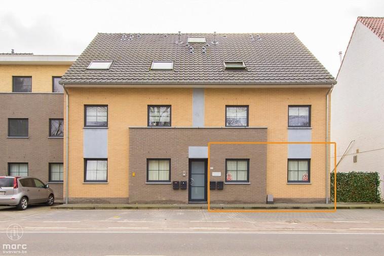 Recent gelijkvloers appartement met 2 slaapkamers op 2km van E314