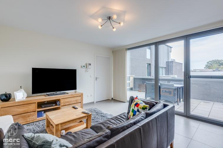 Leuk instapklaar appartement met 2 slaapkamers en terras in gezellige dorpskern