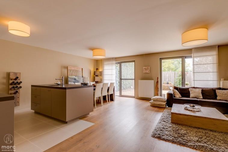 Gelijkvloers appartement met twee slaapkamers en tuin in centrum Heppen