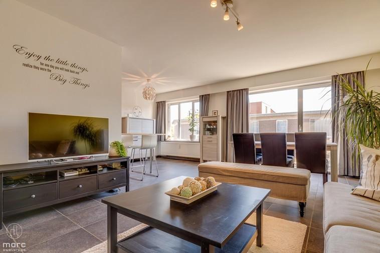 Aangenaam, gerenoveerd & instapklaar appartement met garage