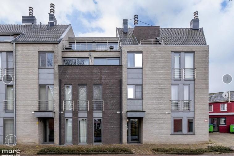 Knap gelijkvloers appartement van 100 m² in centrum van Zolder