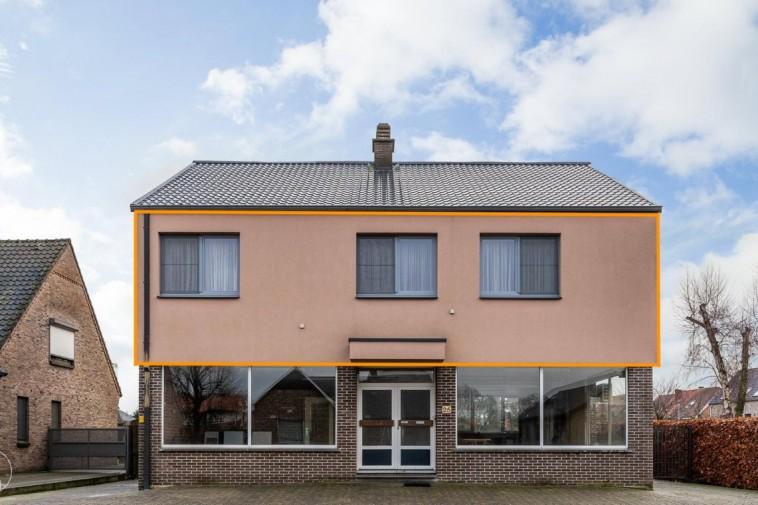 Gerenoveerd appartement met drie slaapkamers in Zonhoven