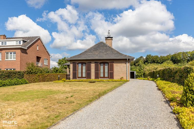 Vrijstaande bungalow met twee slaapkamers en heerlijke tuin