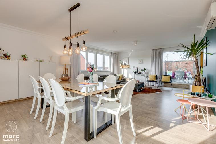 Instapklaar appartement met 2 slaapkamers en 2 zonovergoten terrassen vlakbij be-Mine