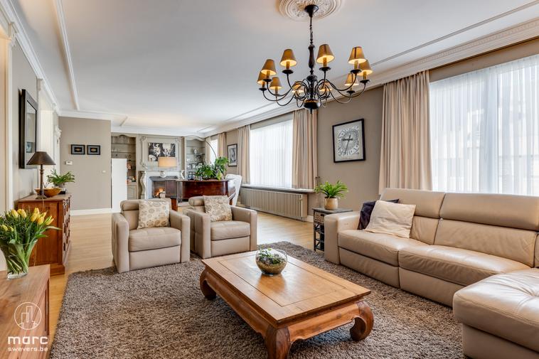 Mooi wonen en fijn zaken doen | Magnifiek luxe appartement met 3 ruime slaapkamers en apart bureau