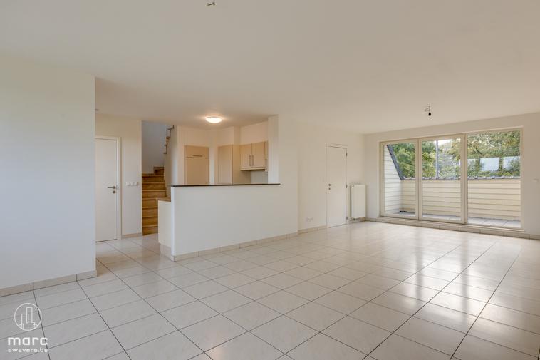 Instapklaar en vlot bereikbaar | duplex appartement met 2 slaapkamers in centrum Ham