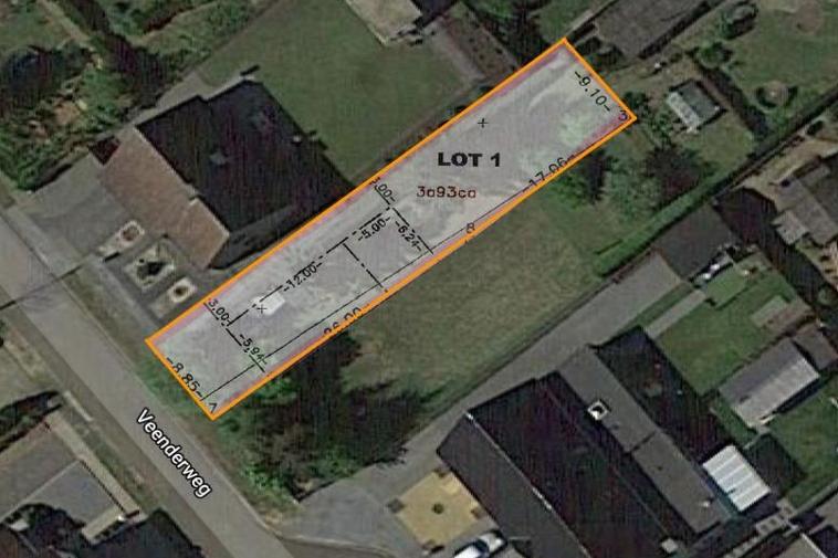 Rustig gelegen bouwgrond van 3a 93ca voor halfopen woning vlakbij centrum van Heusden