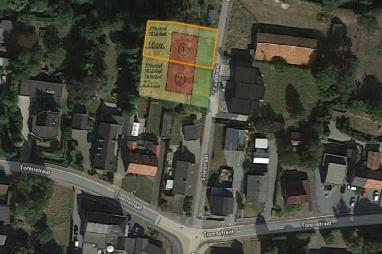 Rustig gelegen bouwgrond halfopen woning met westelijke oriëntatie lot 1 (rechts)