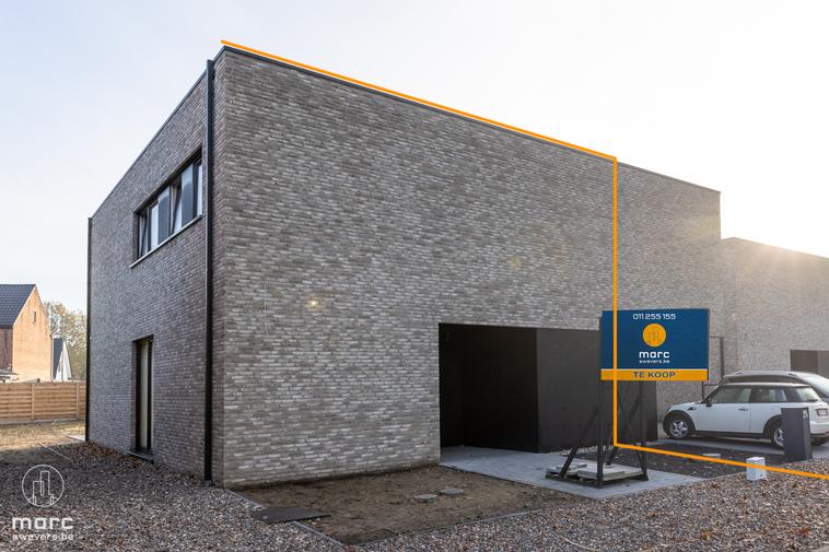 Nieuwe half open BEN-woning met drie slaapkamers vlakbij het centrum van Beverlo
