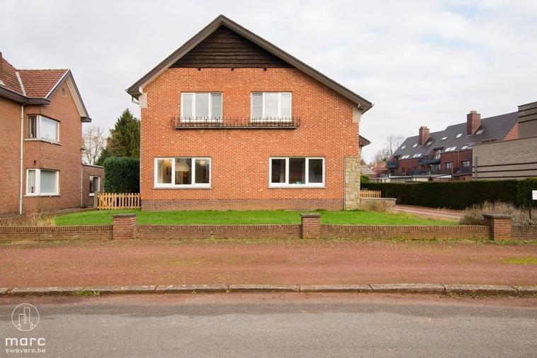 Gerenoveerde woning met 4 slaapkamers kortbij Beringen-centrum