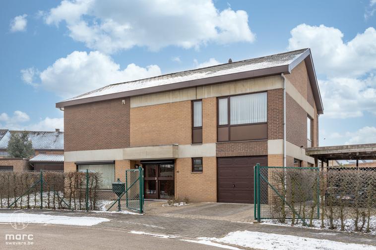 Instapklare gezinswoning met 4 slaapkamers en zonrijke tuin in de gegeerde Banneuxwijk te Hasselt