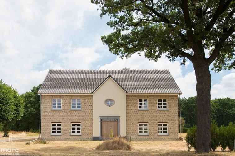 Chic & landelijk voor open bebouwing of twee halfopen woning (casco)