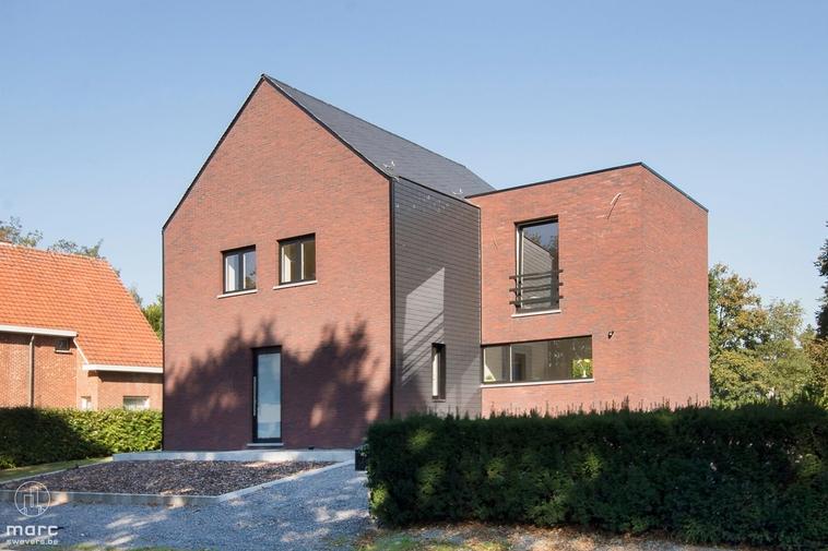 Moderne woning (20 are grond) op een uitstekende locatie in Bolderberg