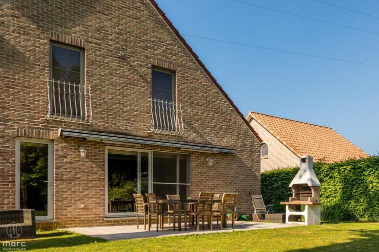 Landelijke villa van 350 m² met vier slaapkamers en schitterende tuin