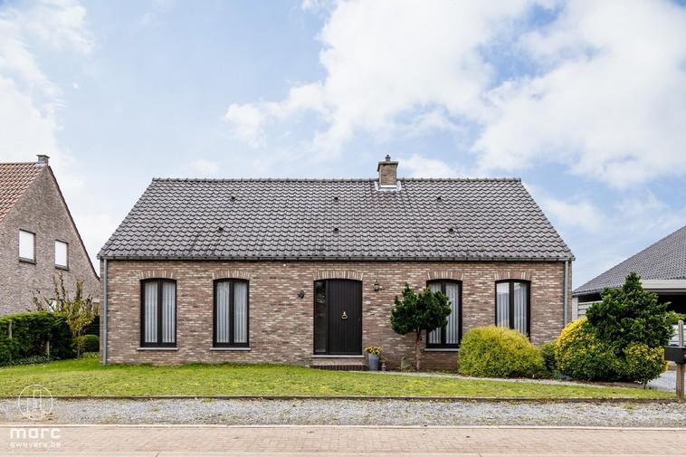Te koop Prachtige, zuidoostelijke en instapklare woning op 21a 77ca
