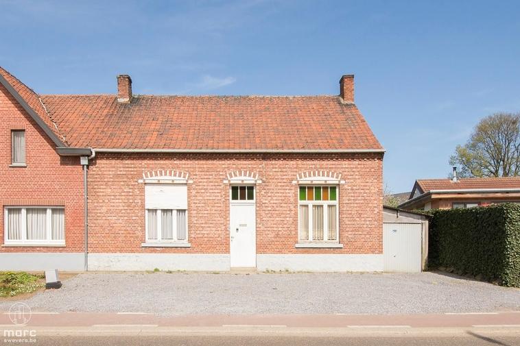 Klein beschrijf │Te renoveren woning met 2 slaapkamers en tuin