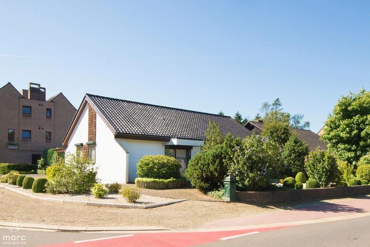 Te koop Vrijstaande woning met mooie uitstraling in Zolder-centrum