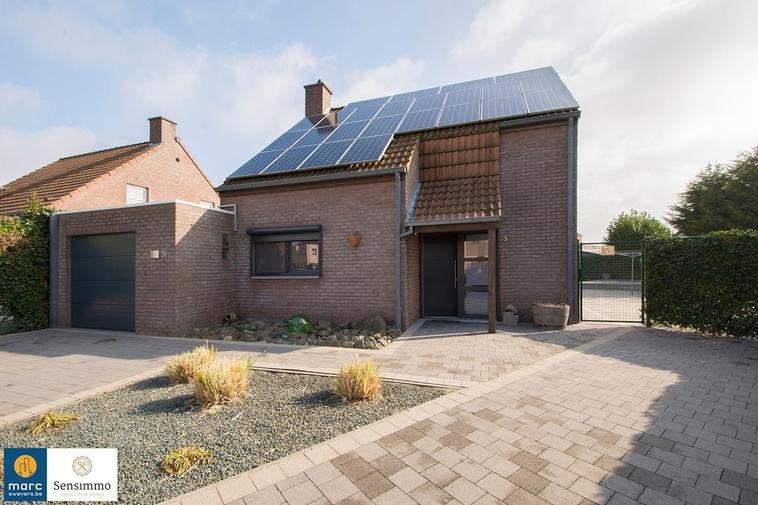 Gezellig, volledig gerenoveerde woning (2011) met 3 slpk's, laag KI