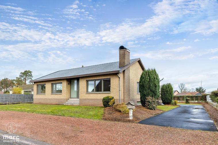 Knappe gezinswoning met 3 slaapkamers gerenoveerd in 2019