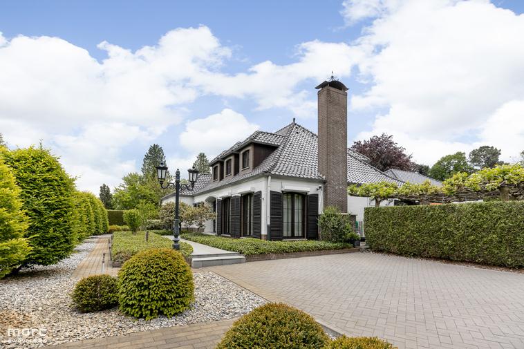 Te koop Wonen op vakantie | Stijlvolle villa (632,88 m²) met binnenzwembad op een zonnig perceel (18a 87ca)