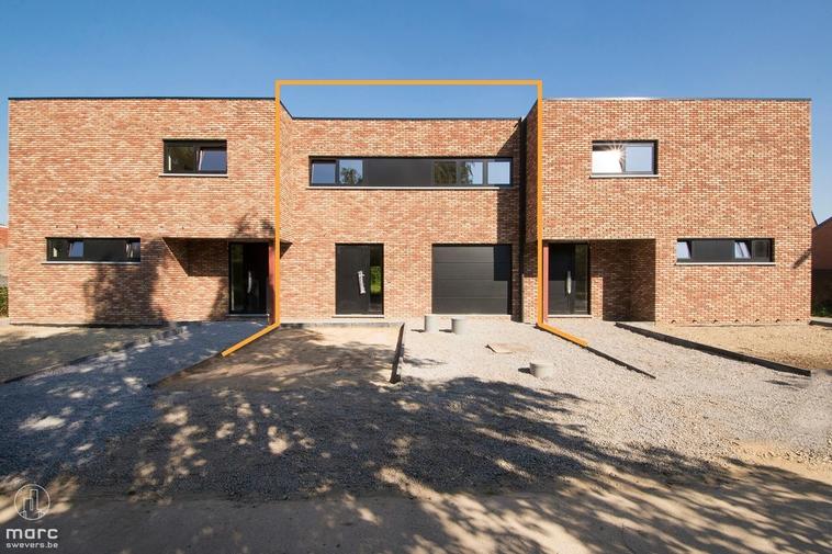 Prachtige nieuwbouwwoning met 3 slaapkamers en mooie tuin