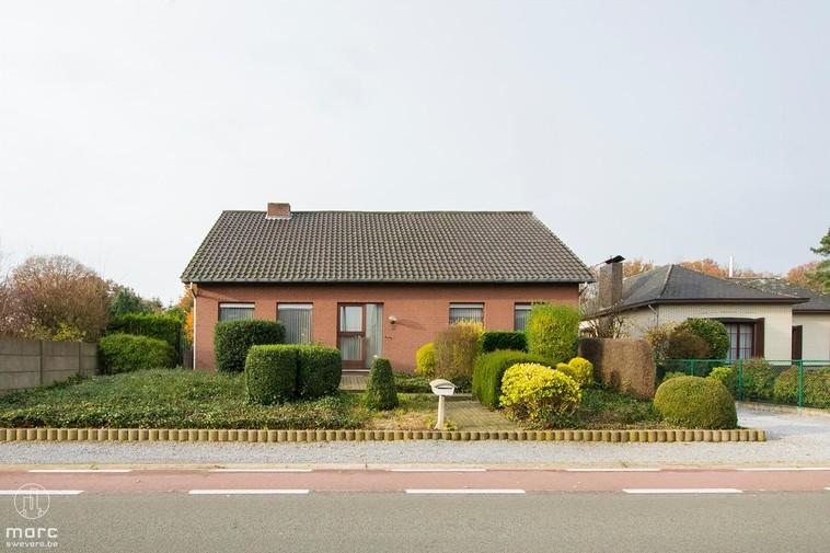 Te koop Landelijk gelegen woning met 2 à 4 slaapkamers en aangename tuin