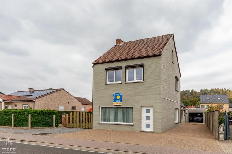 Nieuwe prijs | Verzorgde halfopen woning met bouwgrond voor HOB