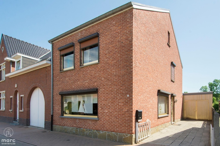 Klein beschrijf │ Gezellig huis met drie slaapkamers in Bevingen-centrum te Sint-Truiden