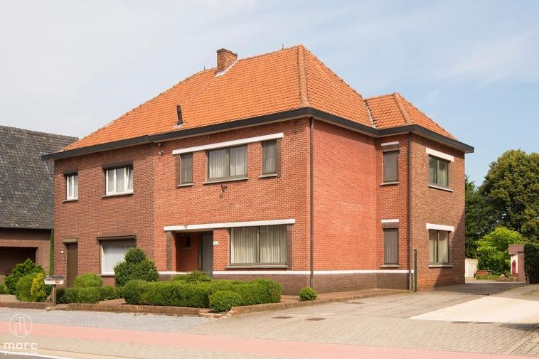 Klein beschrijf │Volledig gerenoveerde woning vlakbij het centrum van Zonhoven