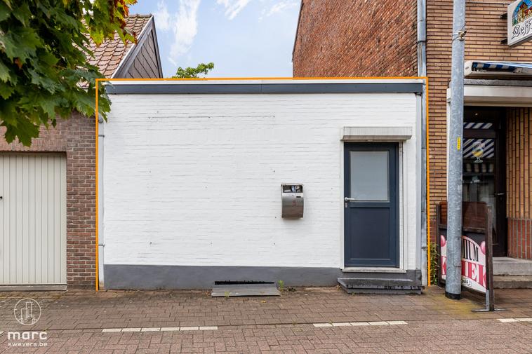 Klein handelspand van 46 m² in centrum van Beringen voor start-up