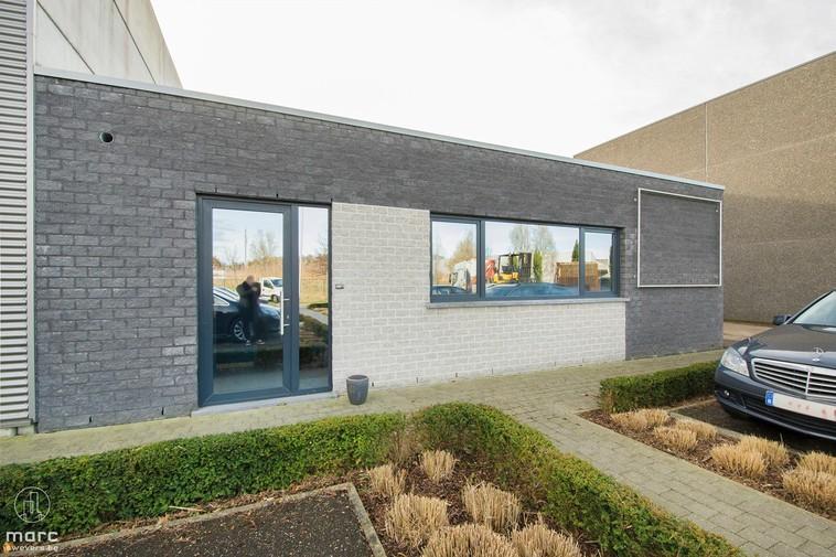 Te huur Volledig ingericht kantoor van 110m² op bedrijventerrein Lange Beemden te Zolder