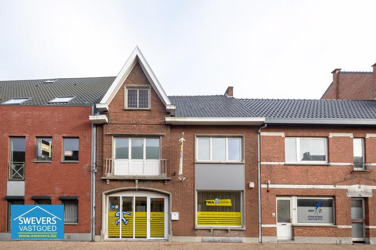Verkocht | Handelspand van 270 m² in hartje Zonhoven (inclusief achterliggende bouwgrond)