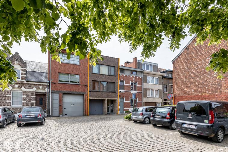 Gunstig opbrengsteigendom met 5 verhuurde studio's op 200 meter van Hasselt centrum