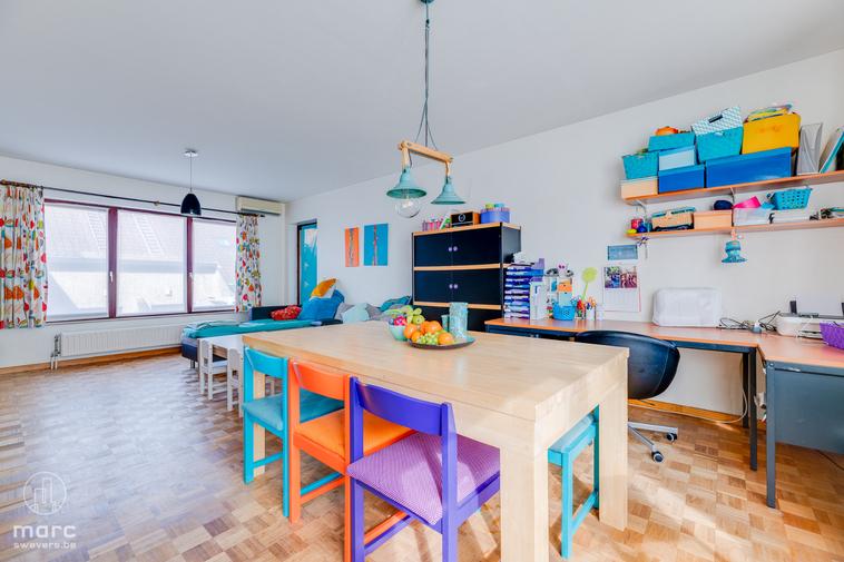 Leuk appartement met 2 slaapkamers én groot terras pal in het centrum van Beringen