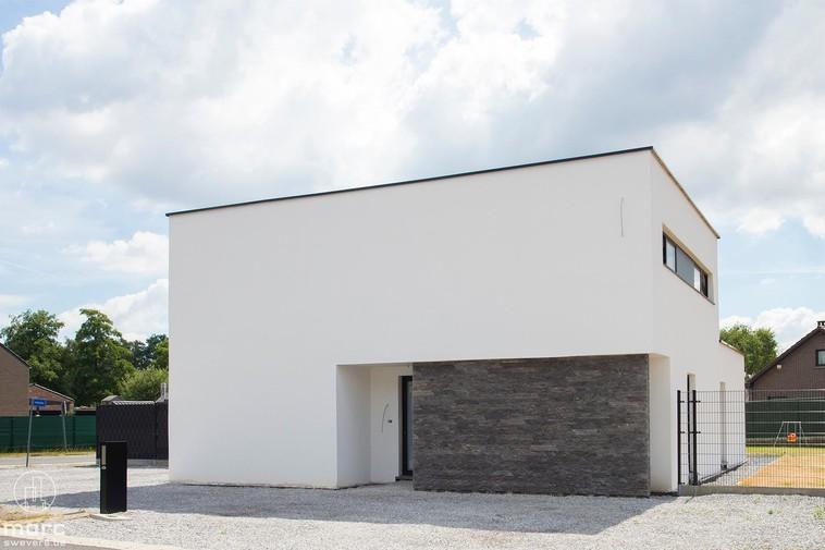 Moderne luxe villa met drie slaapkamers en zuidelijke tuin in Koersel