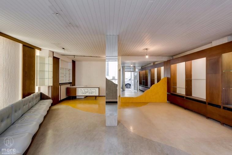 Te koop Uw eigen winkel of kantoor van 140m² met veel opslagruimte in Zolder-centrum